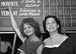 Maria Bellonci, a destra, con Elsa Morante
