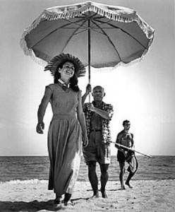 Picasso con Françoise Gilot in una celebre foto di Robert Capa